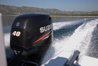 Suzuki sponsor del giro d'Italia in gommone
