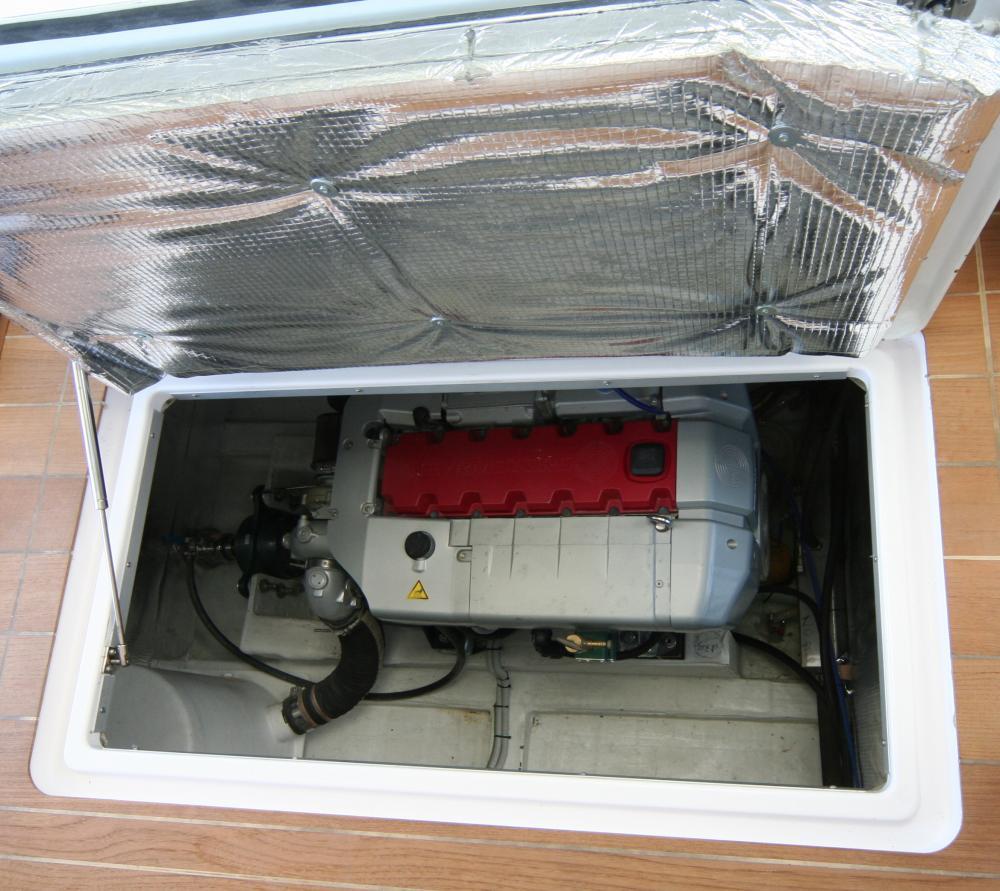 motore fuoribordo dellacqua del tubo del gancio risalente al militare Yahoo