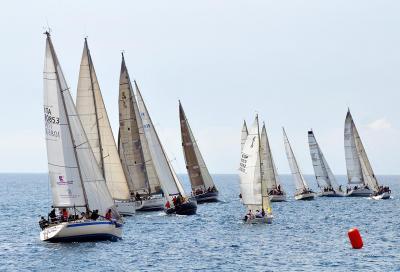 A Marina degli Aregai, vela e golf in scena