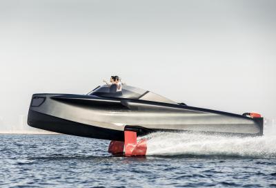 Arriva lo yacht a motore con i foil