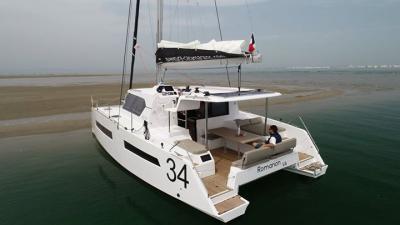 Aventura 34, il catamarano natante per la crociera