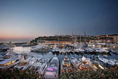 Monaco Yacht Show, superyacht in mostra