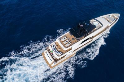 Custom Line Navetta 42: arriva l'ammiraglia