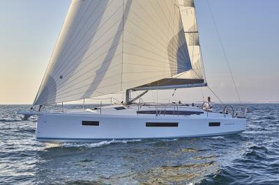 Jeanneau Sun Odyssey 410, prestazioni e pozzetto walkaround