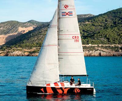 Centro Velico di Caprera i corsi a bordo dei nuovi Bénéteau First 27