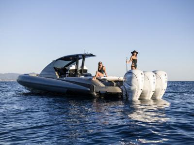 Yamaha al Verbella boat show con tre Lomac e una moto d'acqua