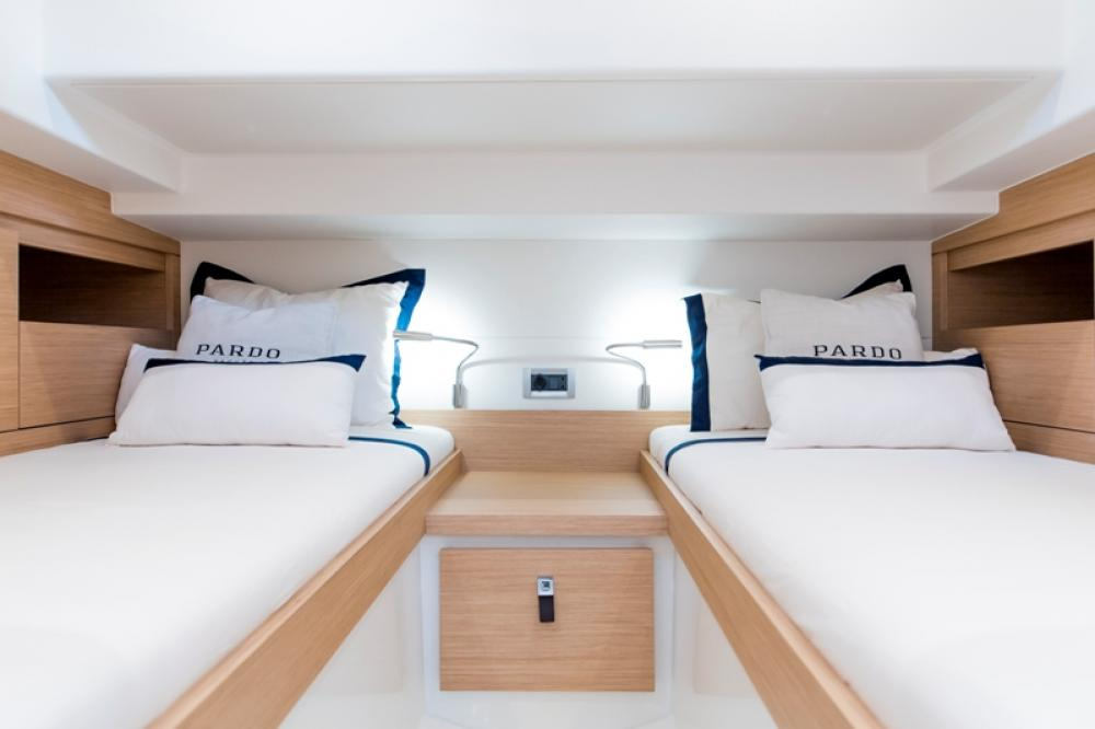 Letto Matrimoniale A Forma Di Barca.Pardo Yachts 38 La Gamma E Completa Vela E Motore
