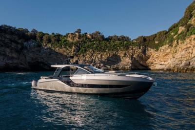 "Azimut Verve 47, ""the ultimate boating machine"". Da Miami le prime foto"