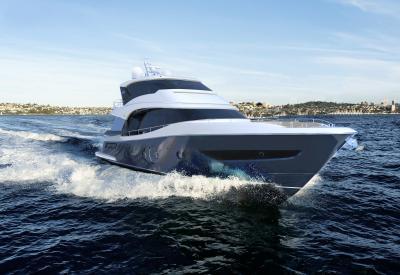 Monte Carlo Yachts 76 Skylounge a misura di armatore