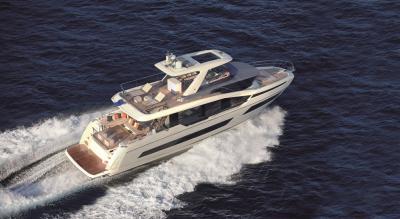Prestige X70, il mini superyacht che ridefinisce lo spazio