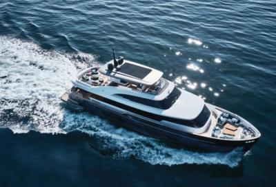 Test Azimut Magellano 25: quando l'arte sale a bordo