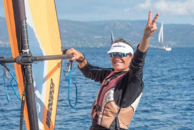 Giulia Clarkson vince la regata nazionale windsurfer