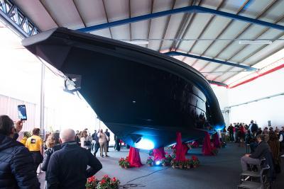 Presentato il T-RIB 48, look total black per la nuova generazione di Tornado Yacths