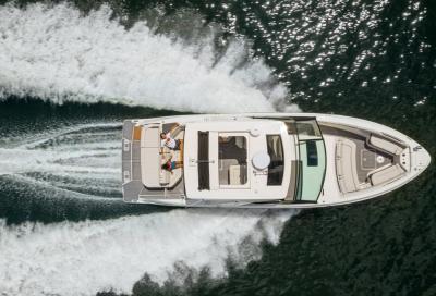 Test Sea Ray SLX 400: come naviga, pregi e difetti