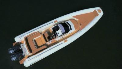 Test Lomac GT 10.5 Limited Edition: come naviga, pregi e difetti