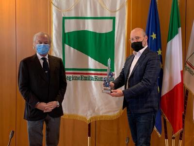 Il Blue Award 2021 a Stefano Bonaccini