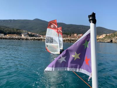 Volano le iscrizioni della scuola vela dello Yacht Club Santo Stefano