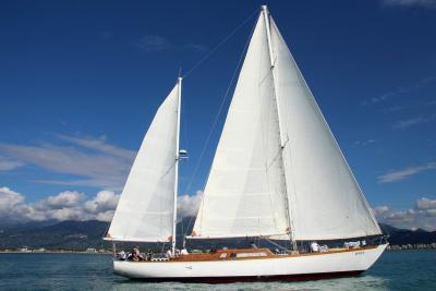 I 50 anni di Cadamà, il Maxi Yacht d'epoca che regata con i disabili