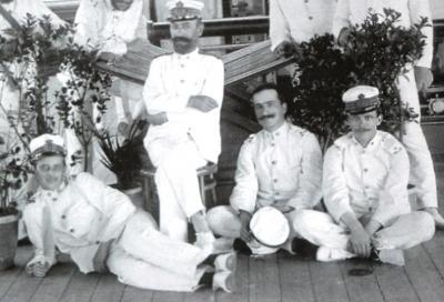 Storia, vestivano alla marinara