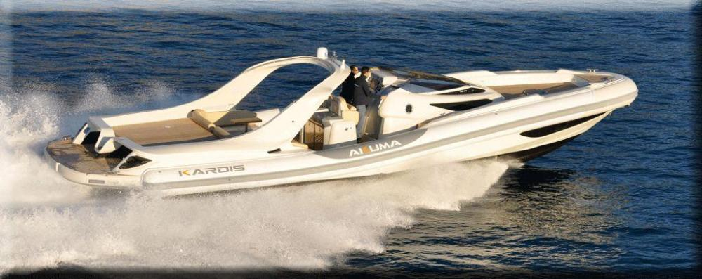 Kardis akuma in acqua il 50 piedi vela e motore for 110 piedi in metri