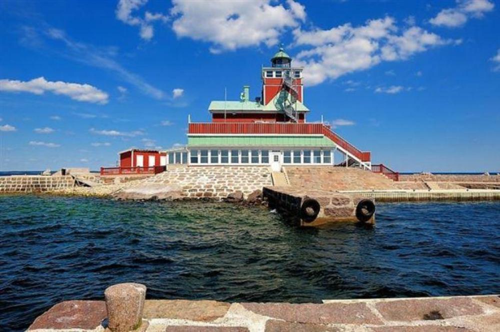 Svezia in vendita un faro da sogno vela e motore for Isole da sogno a sud della birmania codycross
